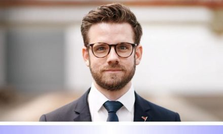 Nach der Kommunalwahl • Teil: III: Krachende Niederlage für den CDU-Kandidaten für das Amt des Hauptverwaltungsbeamten in Mönchengladbach • Felix Heinrichs (SPD) deklassiert Frank Boss (CDU) • Welche Kooperation kommt jetzt?