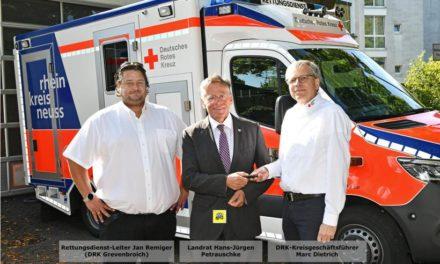 """Landrat Petrauschke übergibt """"umgekoffertes"""" Einsatzfahrzeug für Rettungswache Grevenbroich"""