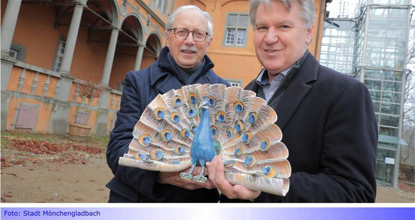 Schloss Rheydt: Auch im Herrenhaus begrüßt die Besucher jetzt ein Pfau