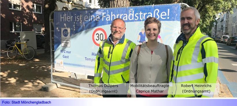 """Nahmobilität • Teil IV: Aufklärungsaktion der Stadt mit neuen Bannern und Plakaten zur """"Blauen Route"""""""