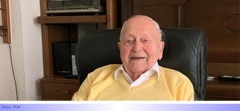 FDP-Ehrenvorsitzender Hans Segschneider feiert 100. Geburtstag