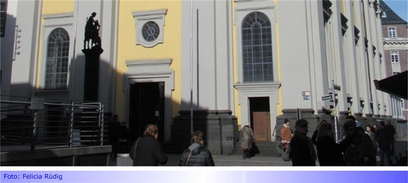 """Die Düsseldorfer Altstadt bietet mehr als nur die """"längste Theke der Welt"""" • Beispiel: St. Andreas aus dem Jahr 1629"""