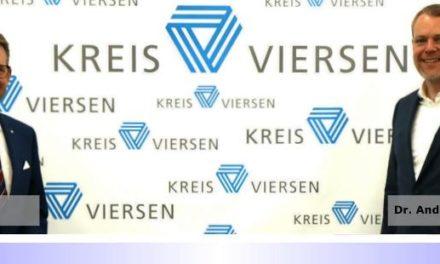 """""""Auf gute Zusammenarbeit"""" • Landrat Dr. Andreas Coenen tauscht sich mit Ingo Brohl, Landrat des Kreises Wesel, aus"""